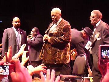 BB King farewelling his fans  in Melbourne. Photo taken by Steve Yanko.